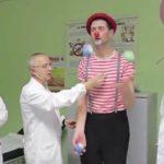 Io faccio così #27 – Ridere per vivere: i clown dottori e la Terra del Sorriso