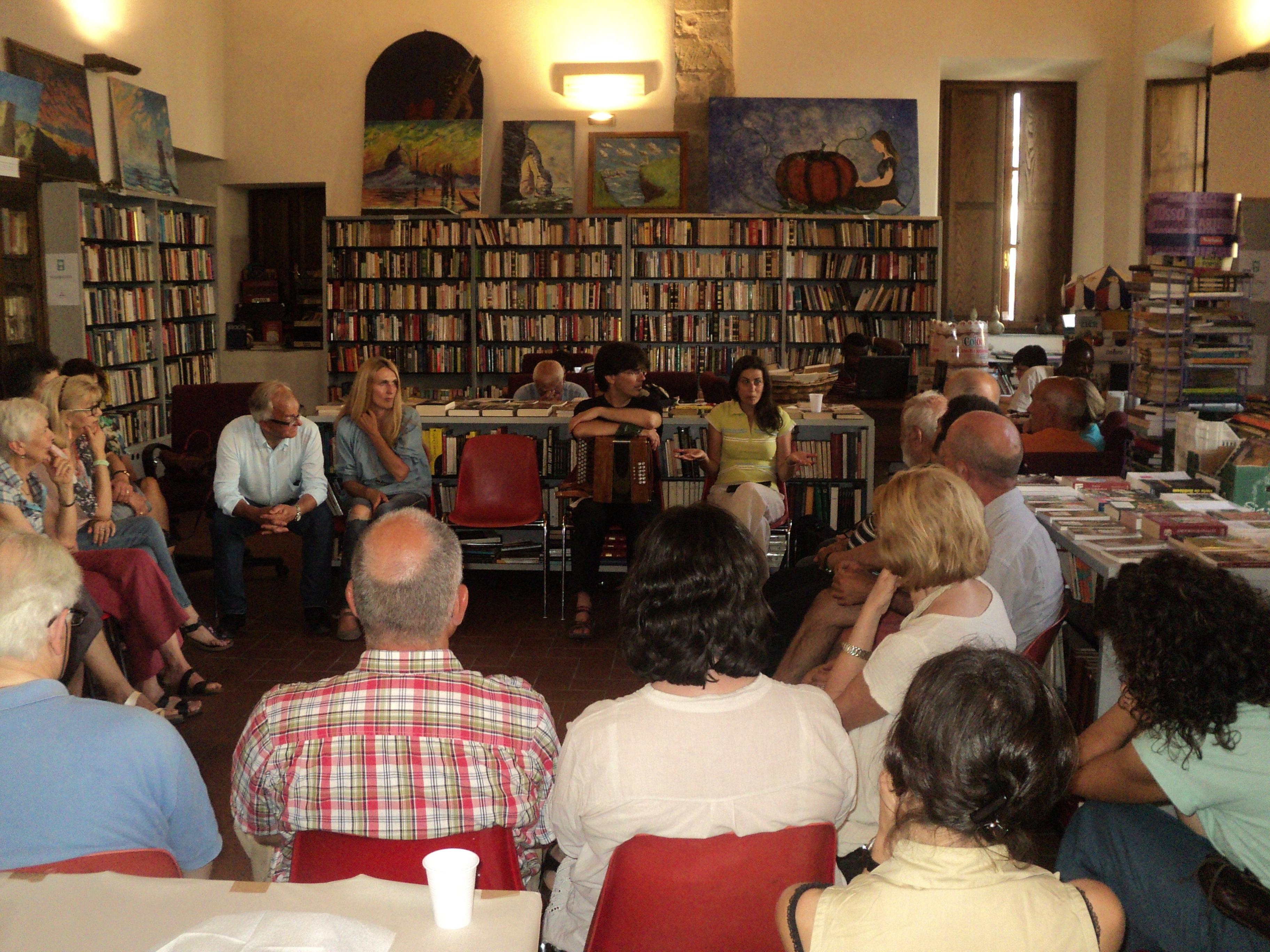 L'incontro con l'associazione Dal Libro alla Solidarietà di Fivizzano (MS)