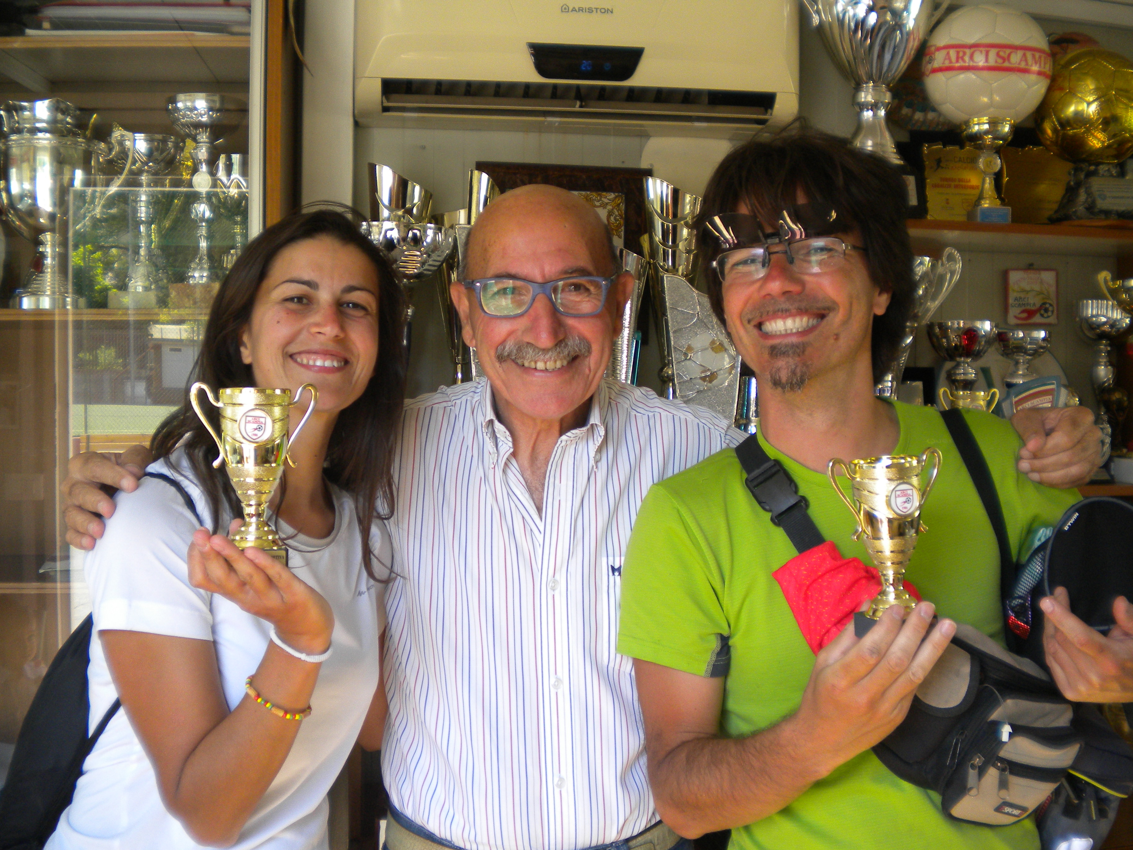 """Nica e Daniele """"premiati"""" dal Mister Antonio Piccolo, Scuola Calcio Arci Scampia"""