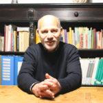 """Io faccio così #63 – Francesco Gesualdi: dal consumo critico al """"lavorare meno, lavorare tutti"""""""