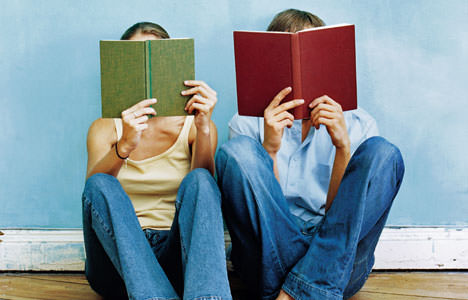 People-reading-book
