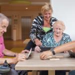 Anziani e giovani: ecco il progetto che li fa incontrare