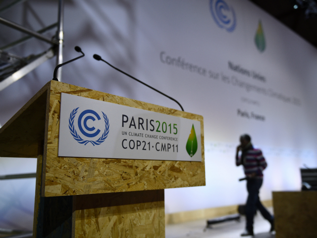 FRANCE-UN-ENVIRONMENT-CLIMATE-WARNING-COP21-Getty