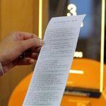 Francia, distributori automatici di racconti alle fermate del bus