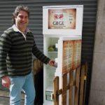 Un frigo della solidarietà contro lo spreco di cibo
