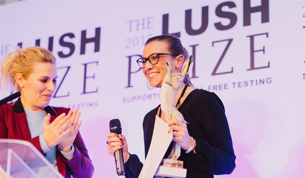 Tra i vincitori del Lush prize quest'anno, c'è anche una giovane ricercatrice bergamasca, Elena Kummer