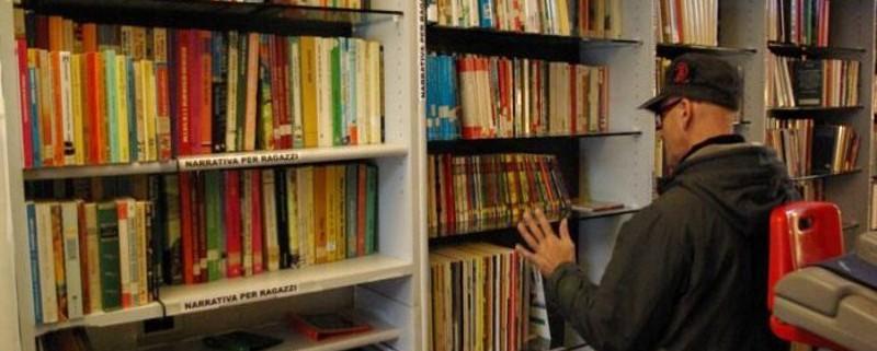Passamano, il primo negozio senza soldi in Italia, è stato fondato a Bolzano da Alessandro Borzaga,