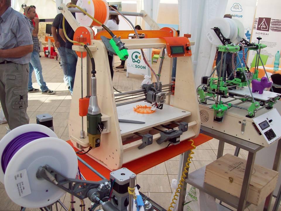 """""""Wood"""", la stampante 3D in legno """"proudly made in Sardinia"""" realizzata dagli &Makers"""