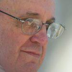 """Papa Francesco: """"il terrorismo è il controllo globale del denaro sulla terra"""""""