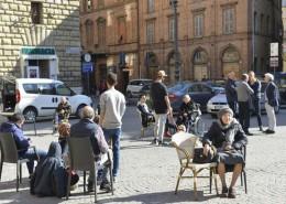 Tolentino, persone in piazza dopo il terremoto