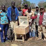 Tre sorelle sarde inventano un forno solare per il Camerun
