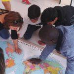 Così i migranti aiutano gli studenti italiani