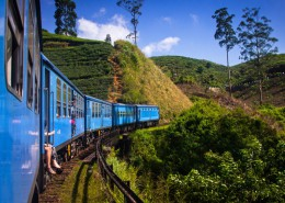 train-kandy-to-ella-kandy-sri-lanka-1024x683