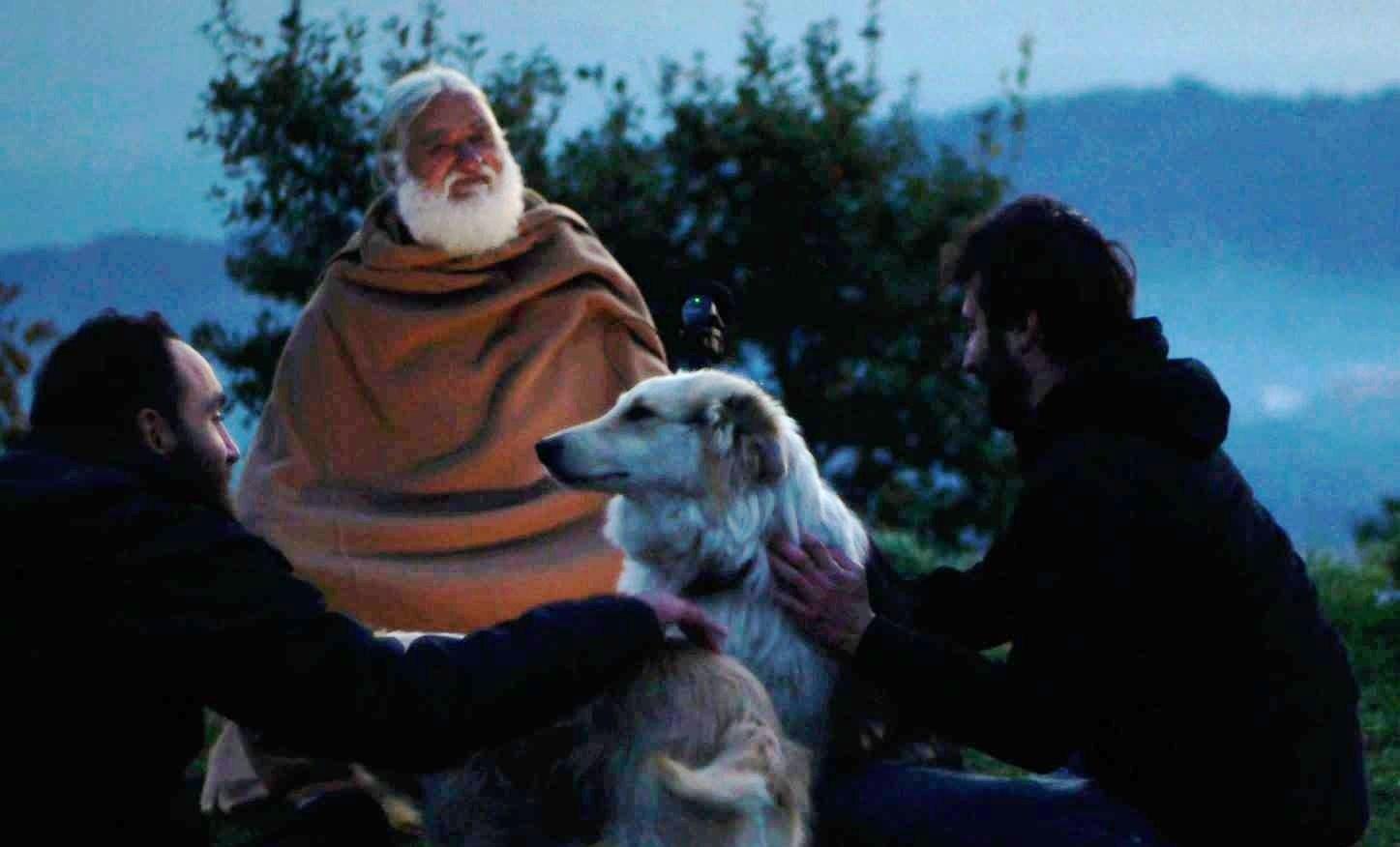 Joshua Wahlen e Alessandro Seidita con uno degli eremiti incontrati durante il viaggio