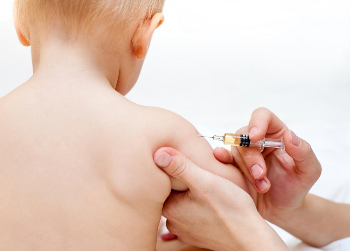 Baby-Vaccine-Shot-2