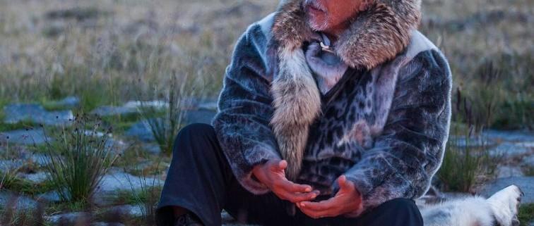 Lo sciamano groenlandese Angaangaq Angakkorsuaq (Foto Sven Nieder)