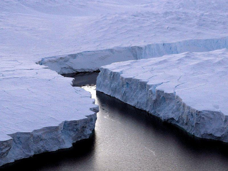 Allarme Antartide, si stacca iceberg grande come la Liguria