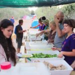 Vivere insieme in maniera ecologica e autosufficiente: la sfida degli ecovillaggi italiani
