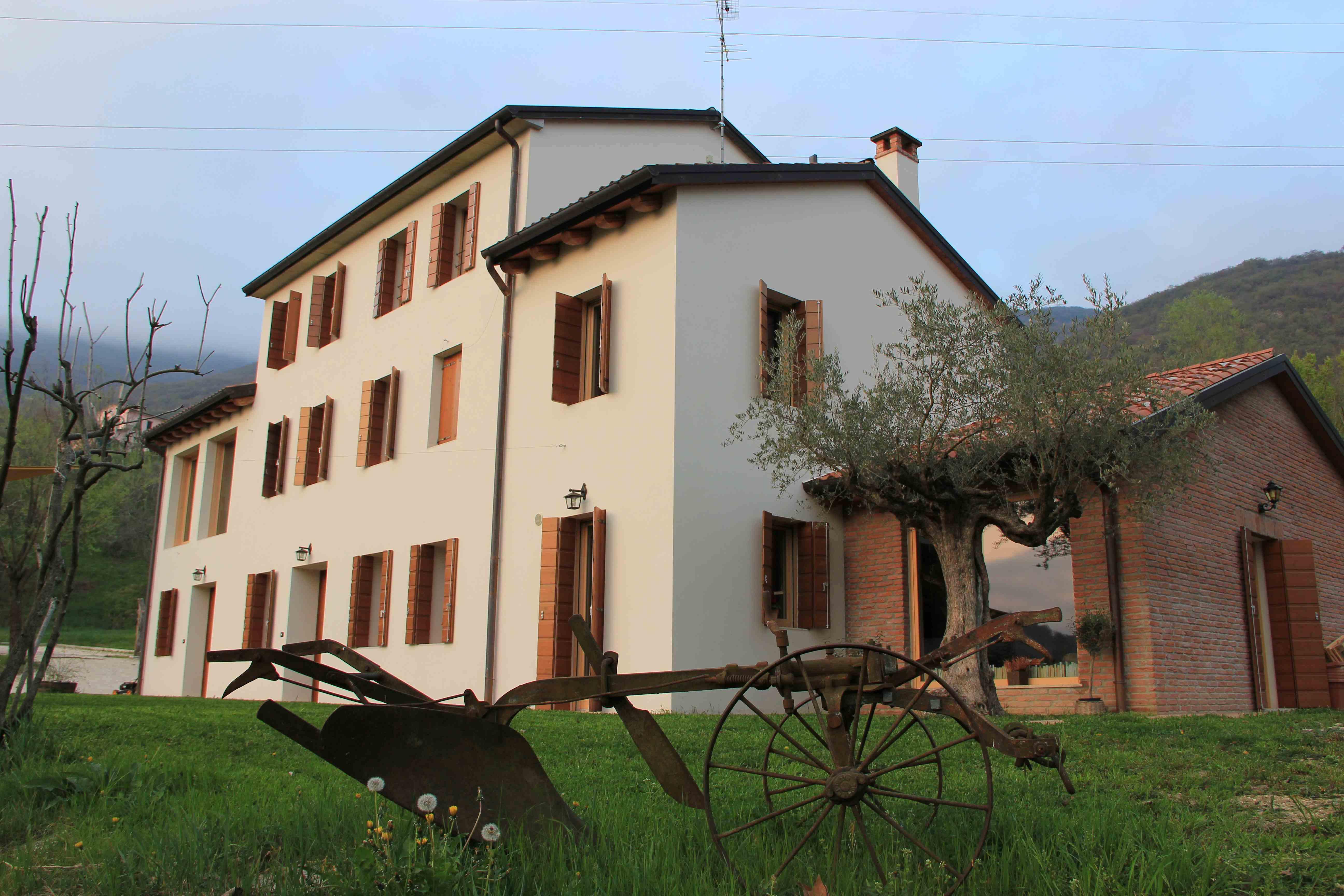 Una casa condivisa nel paese della fiaba for Costruire una casa nel paese