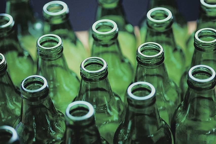 Glass_-Empty-Green-Bottles-783685