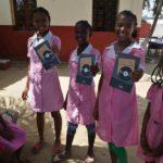 Un libro per garantire l'istruzione ai bambini del Madagascar