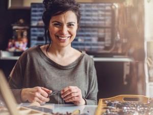 213478-675x450-Jewelry-maker