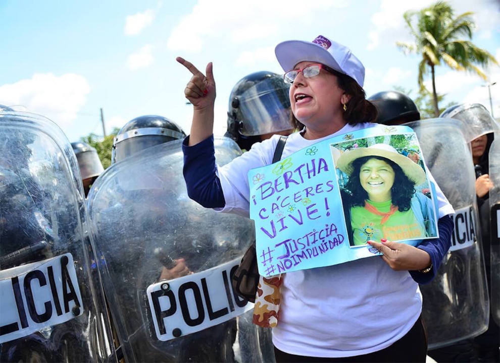 Manifestazione per Berta Cáceres, ambientalista e attivista honduregna uccisa nel 2016