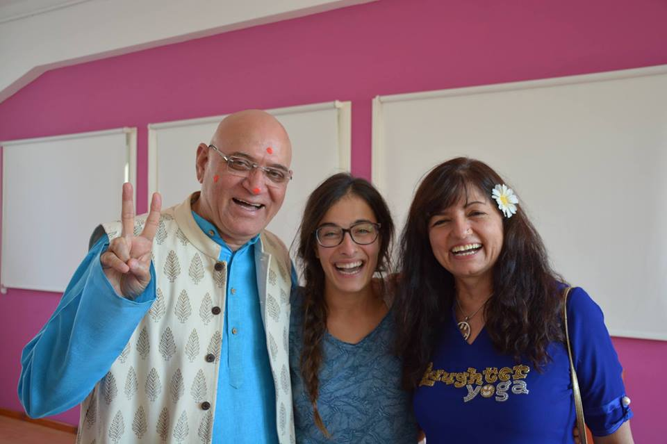 Madan Kataria, Lucia Berdini e Madhuri Kataria