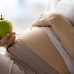 Alimentazione in gravidanza: consigli e luoghi comuni da sfatare