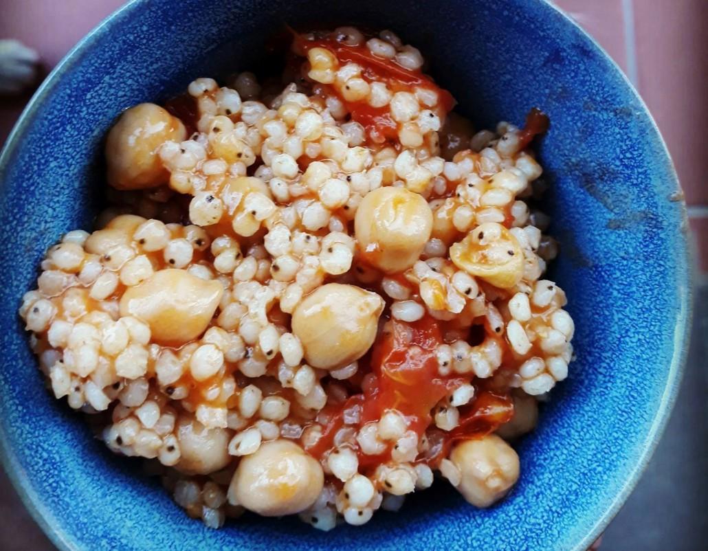 sorgo-pomodorini-ceci-ricetta