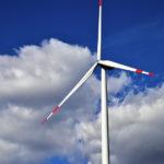 Sganciarsi dalle fossili investendo in impianti rinnovabili collettivi