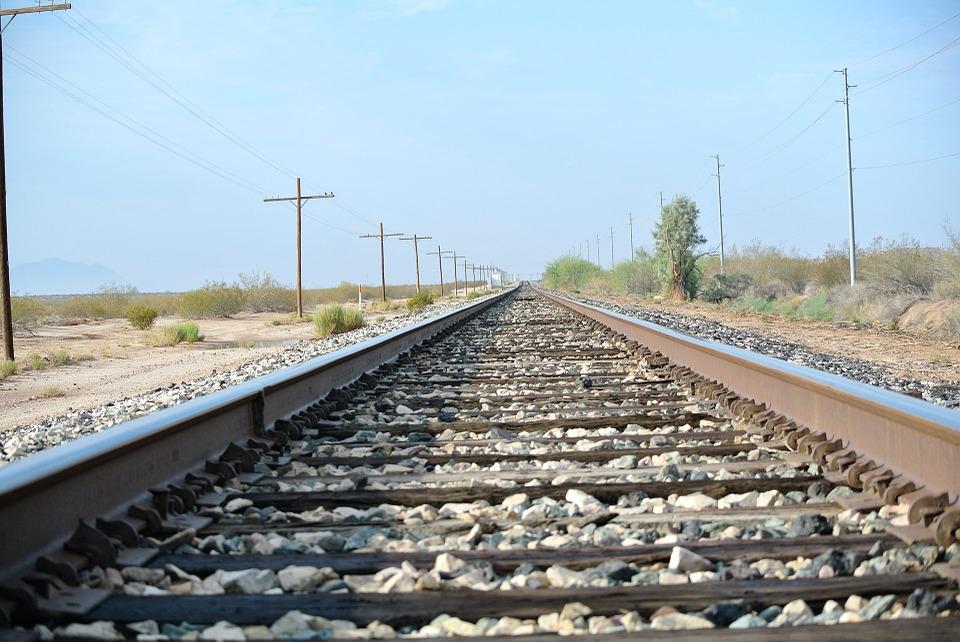 train-track-71392_960_720