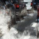 Città italiane soffocate dallo smog e invase dalle auto private