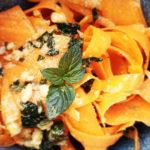 Ricette #21 – Spaghetti di carote con pesto di menta e mandorle