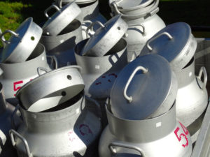 milk-cans-493708_960_720