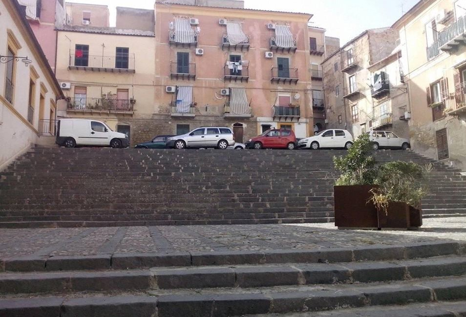 La scalinata di San Francesco a Caltanissetta