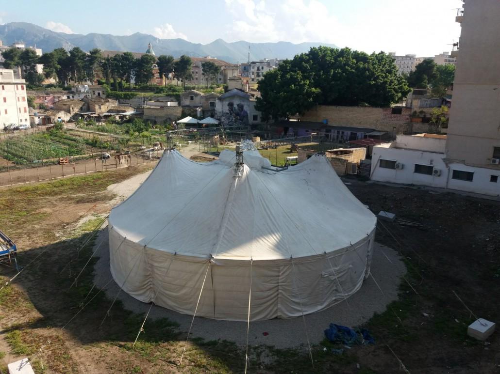 Il tendono del Danisinni Circus, il primo circo sociale permanente senza animali