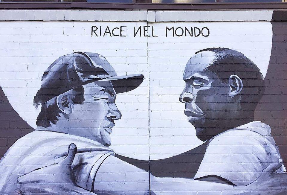 """Melbourne, particolare del murales realizzato da SMOE, street artist calabrese (Foto tratta dalla pagina Facebook """"Riace patrimonio dell'umanità"""")"""