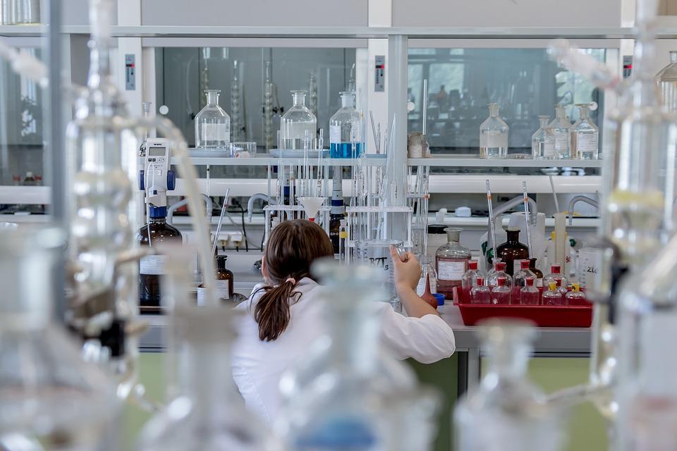 laboratory-2815640_960_720
