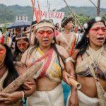Gli indigeni Waorani sconfiggono le trivelle e salvano la foresta