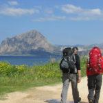 Viaggi a piedi: come preparare lo zaino per il cammino