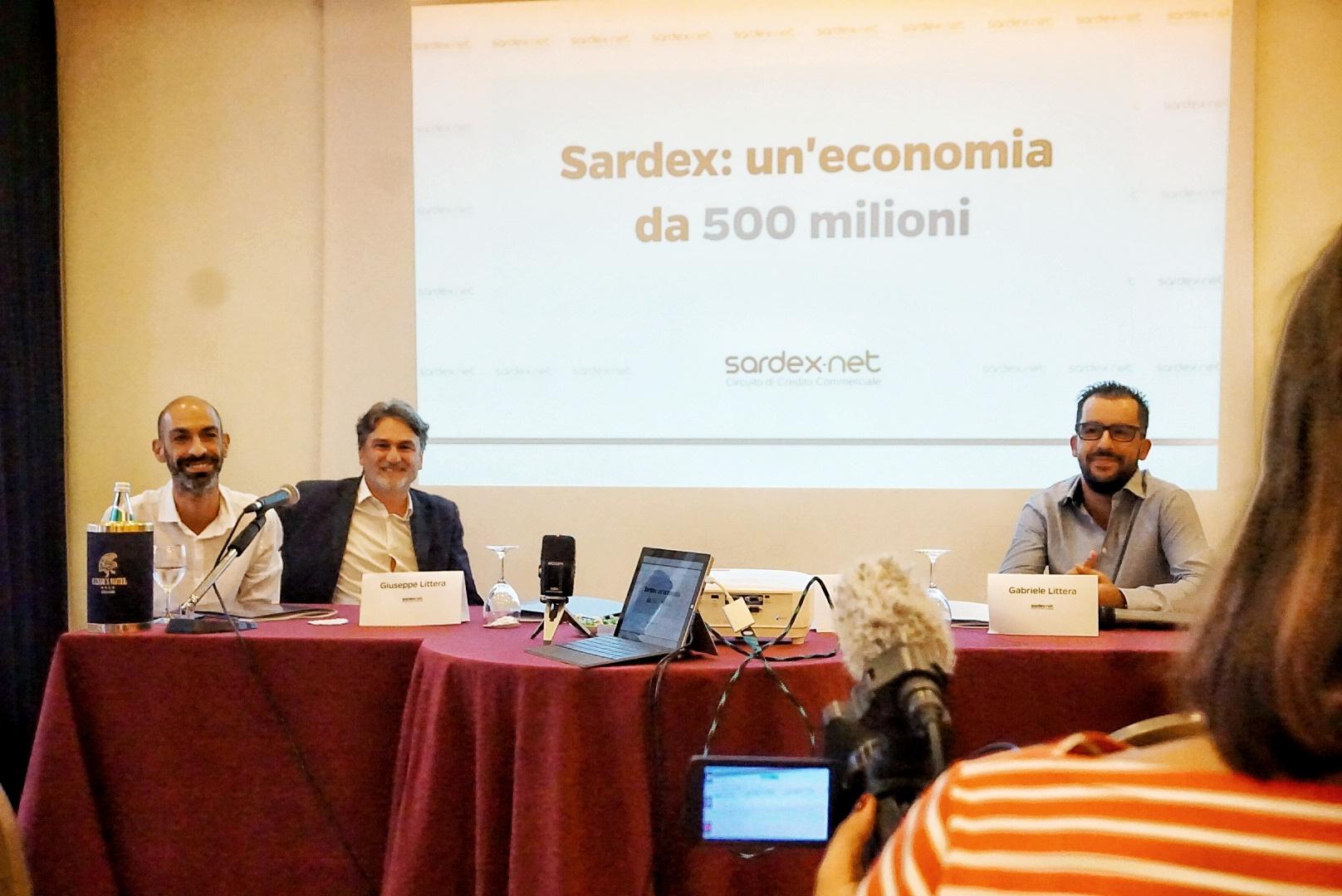 Foto conferenza (da destra a sinistra - Giuseppe Littera, Franco Contu, Gabriele Littera)
