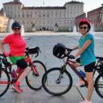 """""""Pedala Diritto"""": due ragazze in bici da Torino a Riace per promuovere i diritti umani"""