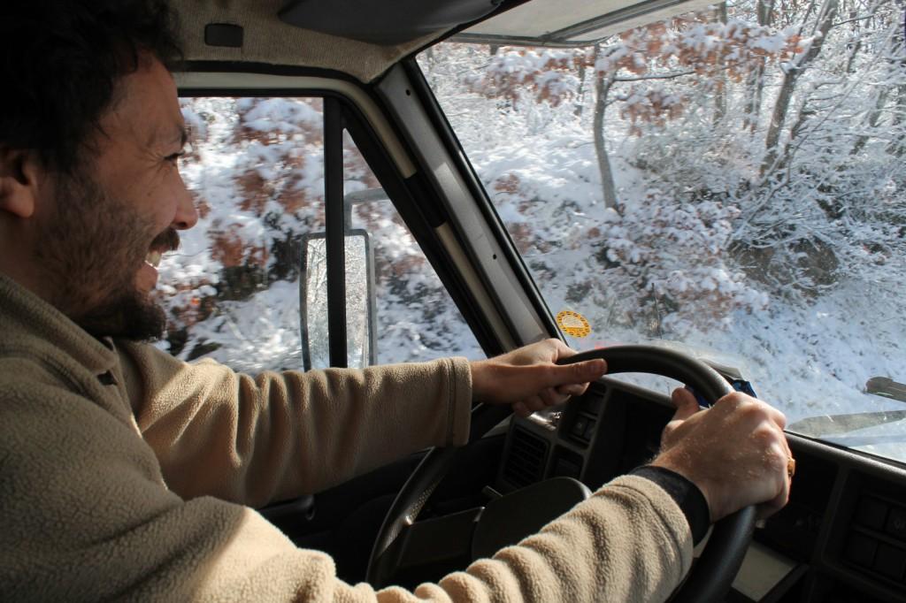 Daniel Tarozzi in viaggio tra le strade innevate dell'Italia che cambia, febbraio 2013
