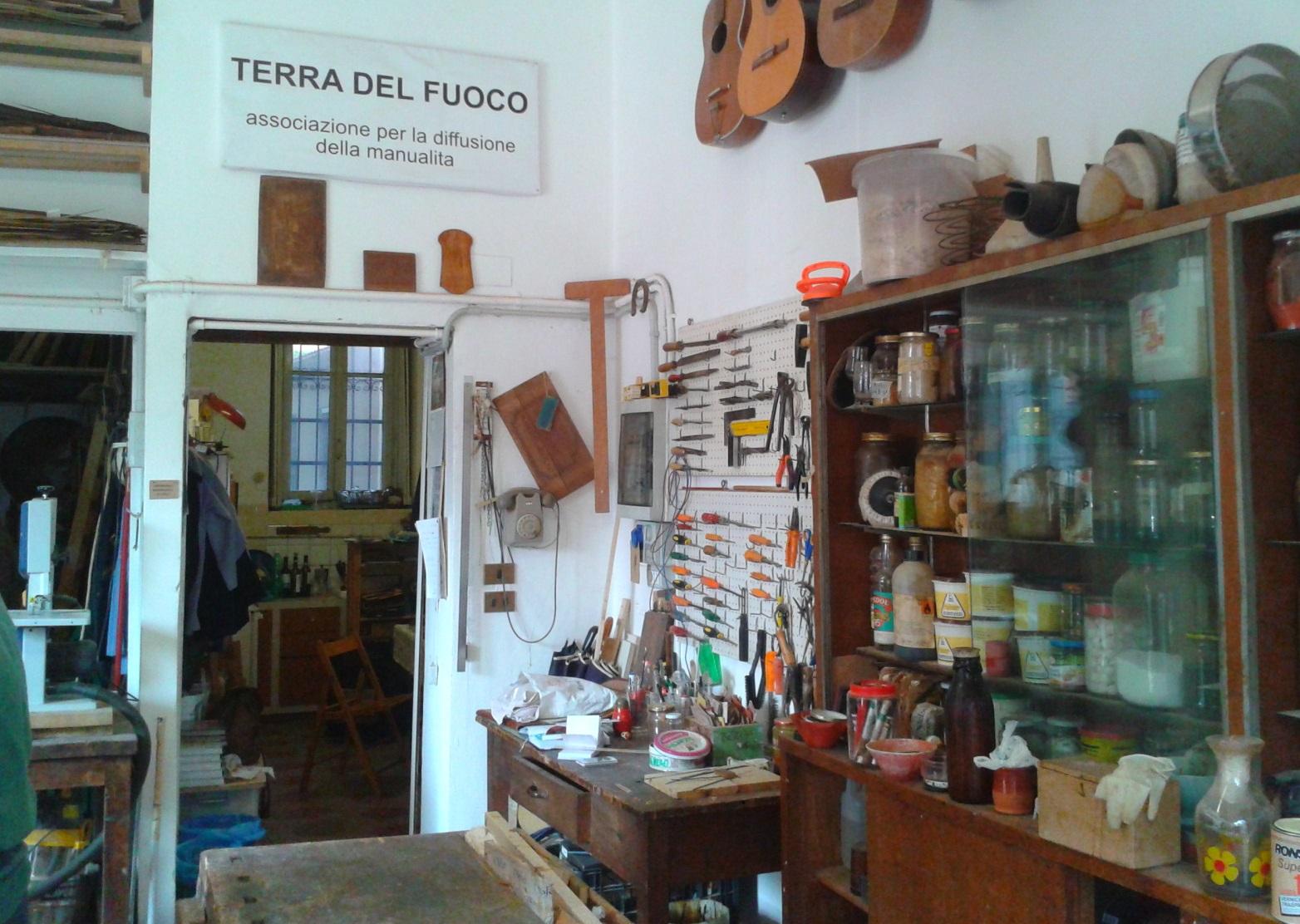 """Terra del Fuoco, """"Laboratorio pubblico di quartiere di Arti Manuali"""". Foto di Laura Pavesi"""