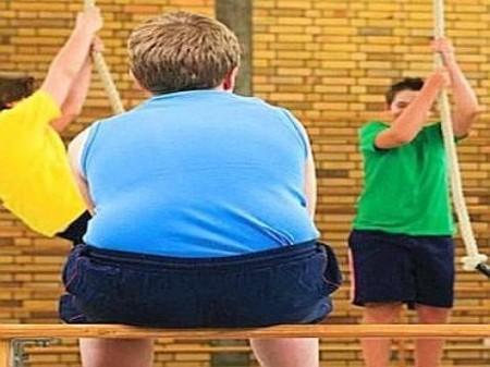 bambini-obesi-tolti-ai-genitori