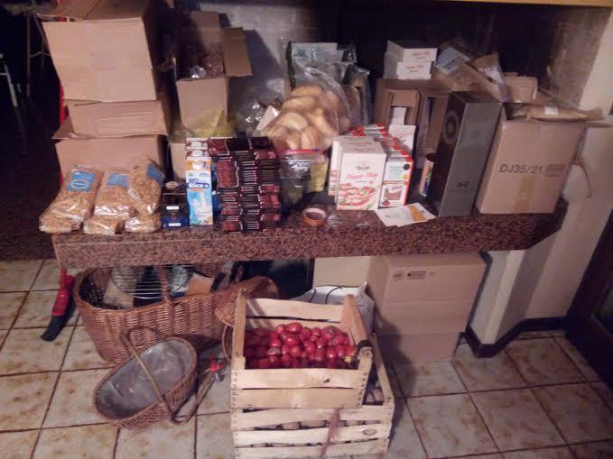Cibo offerto dalle aziende agricole e dai supermercati tedeschi
