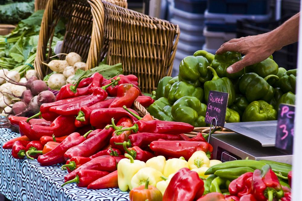 Farmer-market-peppers