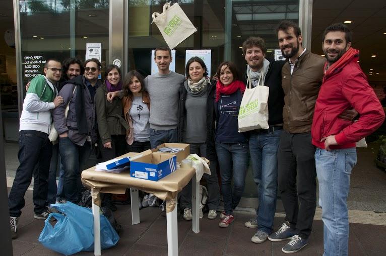 Il primo cash mob etico è stato realizzato a Roma nel quartiere Monteverde