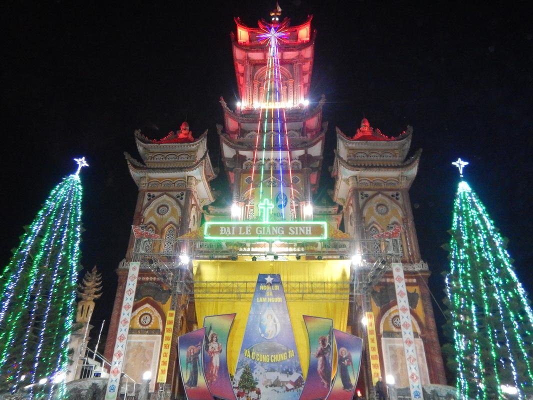 La chiesa del villaggio di Tan